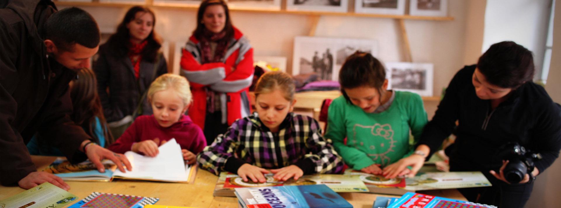 Colectăm cărți și materiale pentru activități educaționale